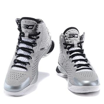 Under Armour Curry White/ Gray /Black    Basketball Shoes