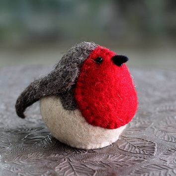 Handmade Wool 'Robin Delight' Tree Top Ornament (India) | Overstock.com Shopping - The Best Deals on Seasonal Decor