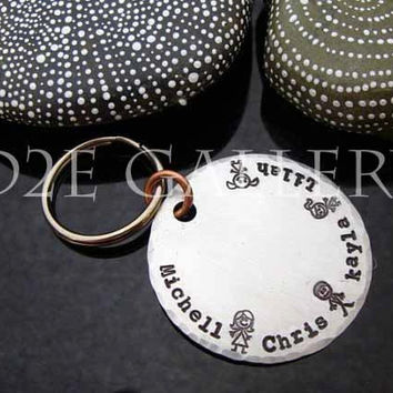 """D2E customized personalized engraved hand stamped """"Family"""" key chain"""