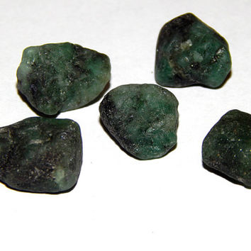 GENUINE EMERALD - Genuine Rough Emerald - Choice of Size - May Birthstone - Cancer Zodiac Gemstone - Superb Color - Raw Emerald Crystal