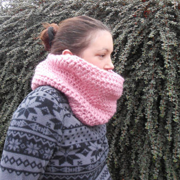 Pink Cowl Scarf. Crochet Snood. Chunky Snood. Pink Neck Warmer. Women's Crochet Scarf. Gift for Her. Eternity Scarf.  Women's Circle Scarf.