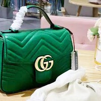 Gucci Women's Fashion Wave Sting Solid Color Shoulder Crossbody Bag