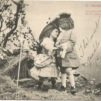 French Children Dressed up in Period Clothes Courting Romance Bergere et Marquis Vintage Postcard