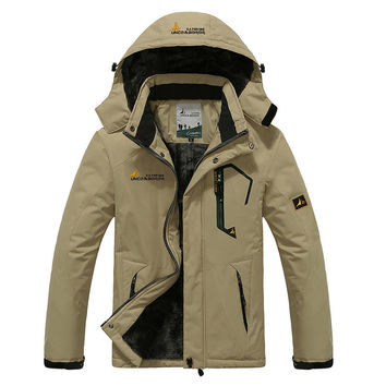 2017 Shell Jacket Winter Hiking Softshell Jacket Men Windproof Waterproof Thermal For Hiking Camping Riding