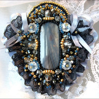 Romantic brooch Venice with a beautiful mother by MadameElegant