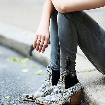 Jeffrey Campbell + Free People Womens New Frontier Boot