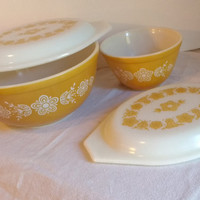 Vintage Pyrex Butterfly Gold Pattern Nesting Bowls and Two Casserole Covers Cover