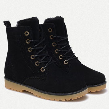 Engraving Design Short Suede Boots