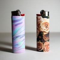 Roses and Holographic Lighter