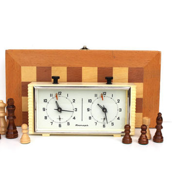Chess clock Jantar Soviet Russian white vintage table clock mechanical