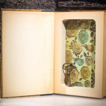 Vtg. Hollow Book Safe - Uncle Tom's Cabin - Harriet Beecher Stowe