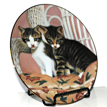 "Pair of Kittens ""KIRBY AND TIGER"" American Artists Collector Plate - Susan Leigh, Artist - (#100.39)"