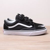 Vans x Old Skool V  Flats Sneakers Sport Shoes
