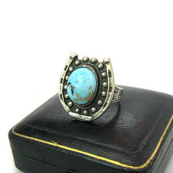 Turquoise Horseshoe Ring. Southwestern Sterling Silver. Large Gemstone. Navajo Style Stamped Arrowhead, Shamans Eye. Vintage 1970s Jewelry