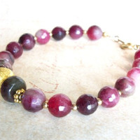 Plum and cranberry agate with gold bracelet, B29