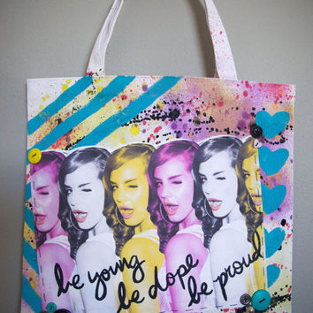 Lana Del Rey - Be Young, Be Dope, Be Proud Pop Art Tote Bag