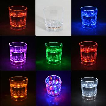 LED Colorful Flashing Light Cup Magic Led Champagne Glass Flash Wine Beer Bar Mug Drink Cup for Party Wedding KTV 2016