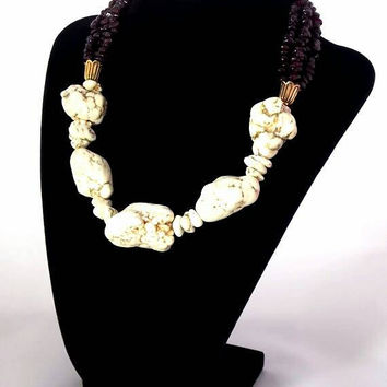 White Howlite Garnet Chip Stone Statement Necklace (Two Piece Set With Pierced Or Clip-On Earrings)