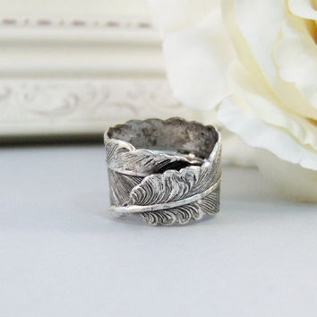 Silver Feather,Ring,Silver,Flower,Iris Ring,Antique Ring,Silver Ring,Blossom,Wedding,Bridesmaid. Handmade jewelery by valleygirldesigns.