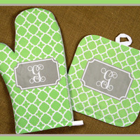 Oven Mitt Pot Holder Monogrammed Gift Personalized Kitchen Hot Pad Plate Table Decor Dining Thanksgiving Housewarming Gift Monogrammed
