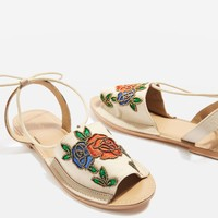 HALLE Embroidered Sandals - New In Fashion - New In