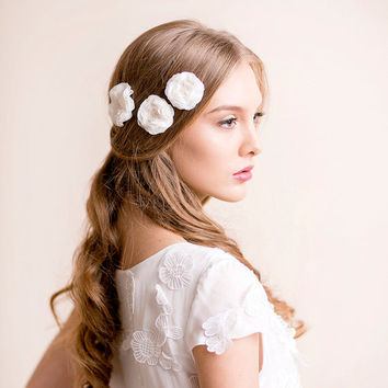 Bridal Flower Hair Pins Ranunculus - Wedding Flower Hair Pins - Bridal Hair Accessory - Wedding Hair Accessory - Chiffon