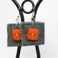 Button square earrings 11, felt, hand-sewn earrings, buttons, unique, light, grey, orange buttons, grey felt,square earrings,perfect gift,