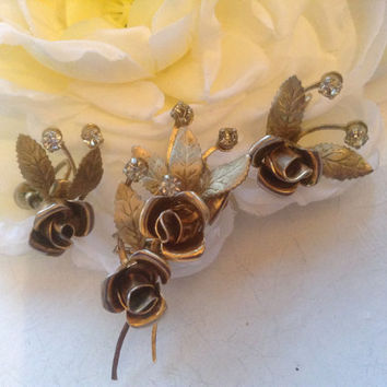 Rose Rhinestone Brooch Set Screw-On Earrings Bridal Bouquet 1950s floral goldtone Prom Wedding Botanical Festive Mother's Day jewelry gift