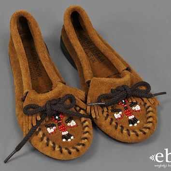 Toddler Moccasins Children's Moccasins Youth Size 11 Children's Vintage Girls Vintage Moccasins Beaded Moccasins Leather Shoes girls size 11