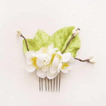 Flower Comb, Hair Flowers, White Flowers, Vintage Inspired, Springtime, Hair Accessories, Woodland, Floral, March