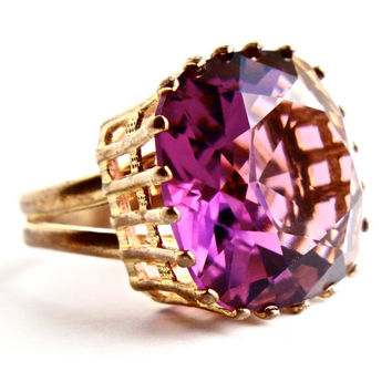 Vintage Huge Gold Tone Purple Stone Ring - Adjustable Statement Costume Jewelry Cocktail Ring / 20 Carat Faceted Amethyst Purple