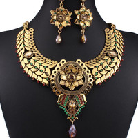 Golden Floral Shape Bead Detail Chunky Necklace And Earrings