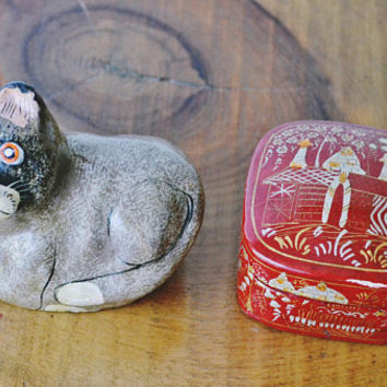 Kashmir India Papier Mâché Trinket Box And Cat Ornament, Vintage Paper Mâché Collectibles