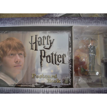 Harry Potter Postcard Book with Limited Edition Ron Weasley Figure#2
