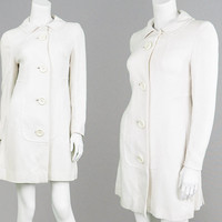 Vintage 60s Mod Coat White Linen 1960s Space Age Geometric Coat Minimalist Jacket Big Plastic Buttons Military Coat Winter White Futuristic