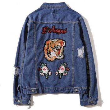 DCCKI72 Trendsetter GUCCI Fashion Tiger Embroidery Distressed Denim Cardigan Jacket Coat