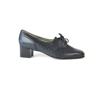 Vintage Navy Leather Heels Oxford Heels Bally Shoes 40s Style Pumps Blue Leather Lace Up Shoes Perforated Leather Chunky Heels Size 9