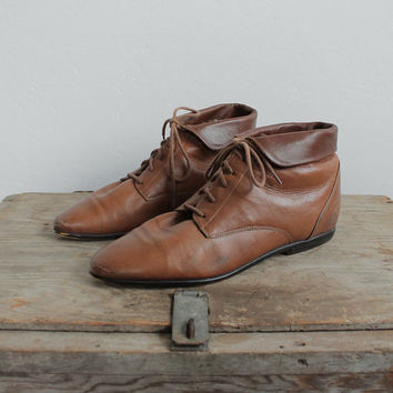 Vintage 80s Caramel Leather Fold Over Ankle Boots | women's 7