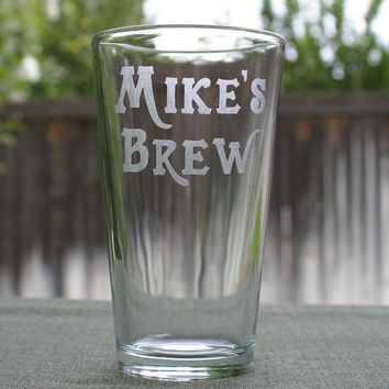 Personalized Pint GlassesSet of 2 Custom Pint by ScissorMill