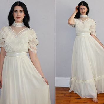 Vintage 70s GUNNE SAX Wedding Dress / Boho Bohemian Bride / Ivory White Maxi Dress / Edwardian Style / Lace Ruffle / Hippie, Folk / Small, 9
