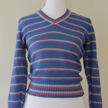 Periwinkle purple blue striped cropped vintage v-neck tennis sweater 3/4 sleeves Size Small