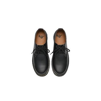 2017 dr martens classic low top men women leather shoes color black model 1461