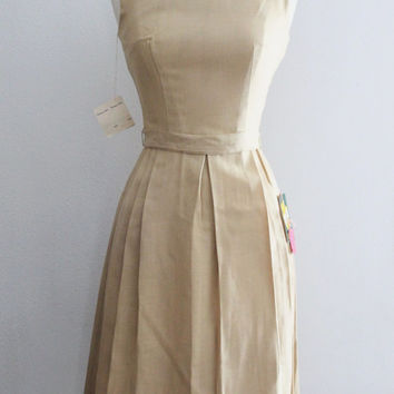 1950s Rayon Dress / Vintage NOS 50s Khaki Beige Linen Rayon Pleated Full Skirt Dress / 50s Day Casual Dress / Rockabilly Dress - XXS/XS