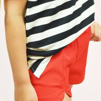 tulip shorts - red