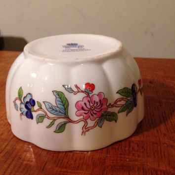 Aynsley Pembroke Vintage Fine Bone China Made In England Small Bowl Blue Bird and Flowers lcww