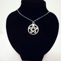 Silver Pentagram Pentacle Five Point Star Circle Elements Pendant Protection Amulet Talisman Necklace Goth Pagan Magic Wicca