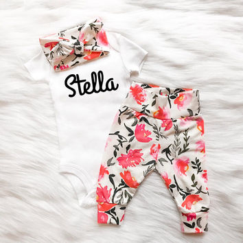 pink and white floral baby girl outfit newborn baby girl going home clothing set floral theme baby baby girl headband baby girl leggings
