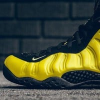 NIKE FOAMPOSITE ONE OPTIC YELLOW SNEAKER