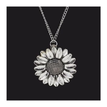Vintage Silver Sunflower Pendant Necklace Women Jewelry