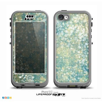 The Unfocused Green & White Drop Surface Skin for the iPhone 5c nüüd LifeProof Case